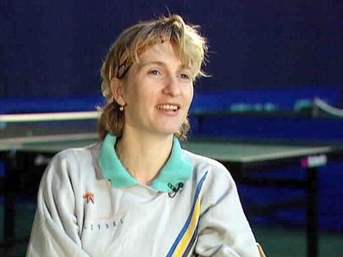 36-летняя Елена Тимина в декабре 2005 года занимала в мировом рейтинге 130-е место. И рядом была надпись – Россия. В январе 2006 года россиянка переместилась на 133-ю строку мирового рейтинга и рядом появилась ремарка – Нидерланды.
